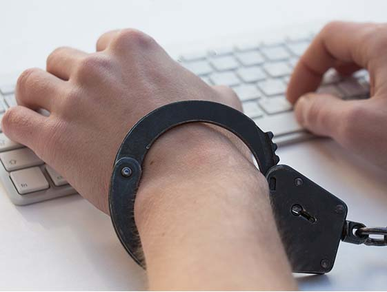 IT Sicherheit Handschellen